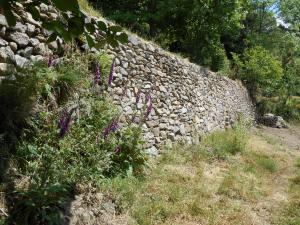 mur en gneiss